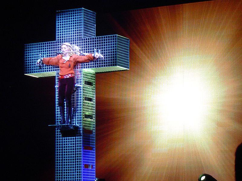 800px-Madonna-cross
