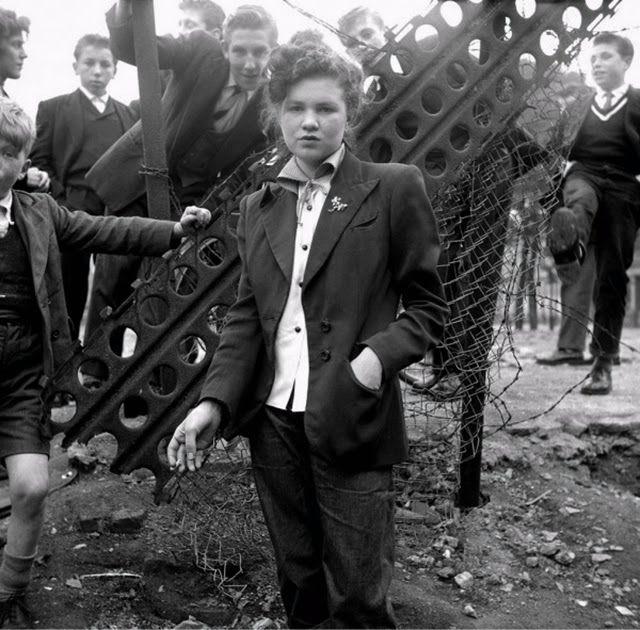 teddy-girls-in-london-1955-1
